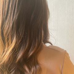 ナチュラル ロング コテ巻き ヘアスタイルや髪型の写真・画像