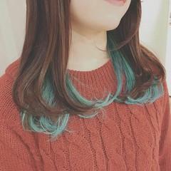外ハネ 冬 フェミニン デート ヘアスタイルや髪型の写真・画像