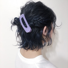 インナーカラー ストリート アッシュグレー 簡単ヘアアレンジ ヘアスタイルや髪型の写真・画像