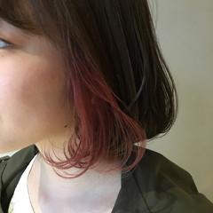 ボブ ラズベリーピンク インナーカラー ピンクアッシュ ヘアスタイルや髪型の写真・画像