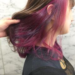 コリアンピンク セミロング インナーカラーパープル インナーカラー ヘアスタイルや髪型の写真・画像