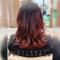 セミロング ナチュラルグラデーション インナーカラー グラデーションカラー ヘアスタイルや髪型の写真・画像