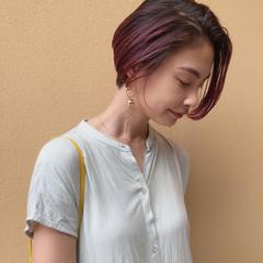 ショート ラズベリーピンク ストリート ピンクラベンダー ヘアスタイルや髪型の写真・画像