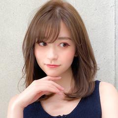 小顔 ミディアム コンサバ レイヤーカット ヘアスタイルや髪型の写真・画像
