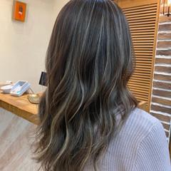 ハイライト セミロング グラデーションカラー バレイヤージュ ヘアスタイルや髪型の写真・画像