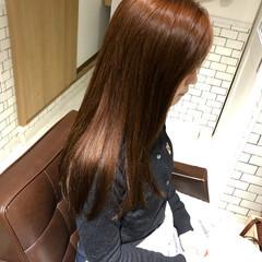 ナチュラル セミロング オレンジベージュ オレンジカラー ヘアスタイルや髪型の写真・画像