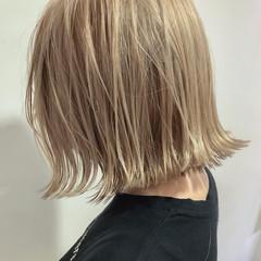 ナチュラル ブリーチ ハイトーン ハイトーンボブ ヘアスタイルや髪型の写真・画像