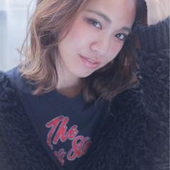 ミディアム 外ハネ 大人女子 ストレート ヘアスタイルや髪型の写真・画像