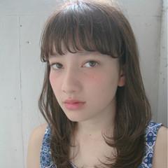 ワイドバング ピュア セミロング ナチュラル ヘアスタイルや髪型の写真・画像