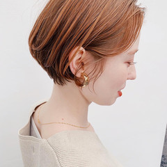 インナーカラー ショートヘア ショートボブ 切りっぱなしボブ ヘアスタイルや髪型の写真・画像