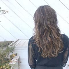 パーマ アウトドア 簡単ヘアアレンジ ヘアアレンジ ヘアスタイルや髪型の写真・画像