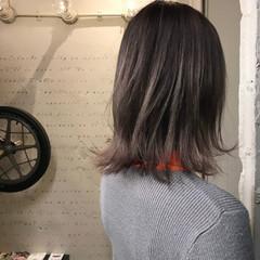 パープル グレーアッシュ グレー ブリーチ ヘアスタイルや髪型の写真・画像