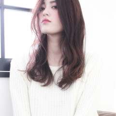 ゆるふわ ピンク ロング ハイライト ヘアスタイルや髪型の写真・画像