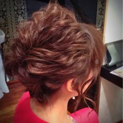 セミロング ヘアアレンジ 結婚式 ねじり ヘアスタイルや髪型の写真・画像