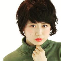 ショート フェミニン ナチュラル 黒髪 ヘアスタイルや髪型の写真・画像