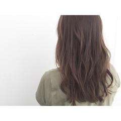 フェミニン ナチュラル ロング アッシュ ヘアスタイルや髪型の写真・画像