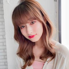韓国ヘア ミディアムレイヤー シースルバング 巻き髪 ヘアスタイルや髪型の写真・画像