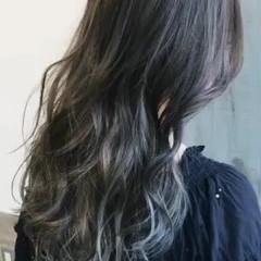 リラックス アウトドア ウェーブ 外国人風 ヘアスタイルや髪型の写真・画像