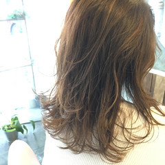 グラデーションカラー セミロング 透明感 レイヤーカット ヘアスタイルや髪型の写真・画像