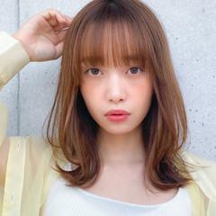 ミディアム 小顔 ミディアムレイヤー コンサバ ヘアスタイルや髪型の写真・画像