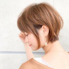 フェミニン オフィス 小顔ショート ショート ヘアスタイルや髪型の写真・画像