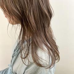 セミロング ヌーディベージュ ミルクティーベージュ アッシュベージュ ヘアスタイルや髪型の写真・画像