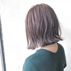 外ハネ ハイトーンカラー ボブ ナチュラル ヘアスタイルや髪型の写真・画像
