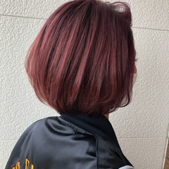 カシスレッド ピンクパープル ストリート ダブルカラー ヘアスタイルや髪型の写真・画像