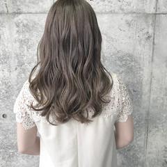 ナチュラル 透明感 シルバー 結婚式 ヘアスタイルや髪型の写真・画像