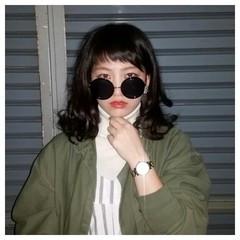 ミディアム ストリート シースルーバング レイヤーカット ヘアスタイルや髪型の写真・画像