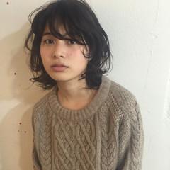 ナチュラル 暗髪 ミディアム 前髪あり ヘアスタイルや髪型の写真・画像