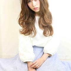 ガーリー ハイライト ロング アッシュ ヘアスタイルや髪型の写真・画像