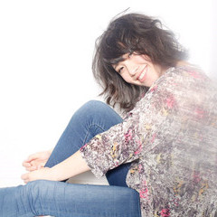 春 ショート 黒髪 外ハネ ヘアスタイルや髪型の写真・画像