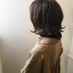 ナチュラル 外ハネ アッシュベージュ ボブ ヘアスタイルや髪型の写真・画像