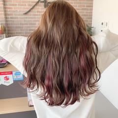 フェミニン デザインカラー ハイトーンカラー ピンクベージュ ヘアスタイルや髪型の写真・画像