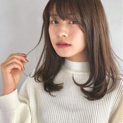 フェミニン ストレート ミディアム グレージュ ヘアスタイルや髪型の写真・画像