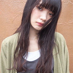 ロング 暗髪 パーマ ナチュラル ヘアスタイルや髪型の写真・画像