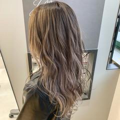 グラデーションカラー ロング ダブルカラー グレージュ ヘアスタイルや髪型の写真・画像