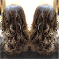 ハイライト エレガント グレーアッシュ グラデーションカラー ヘアスタイルや髪型の写真・画像