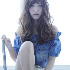 ガーリー フェミニン アッシュ 外国人風 ヘアスタイルや髪型の写真・画像