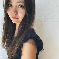 ミディアム 抜け感 レイヤーカット 黒髪 ヘアスタイルや髪型の写真・画像