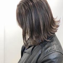 大人かわいい 切りっぱなしボブ グレージュ ミニボブ ヘアスタイルや髪型の写真・画像