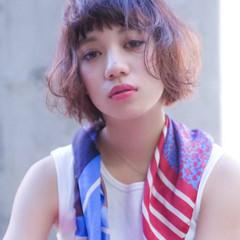 ミニボブ フェミニン ミルクティーベージュ ラベンダーカラー ヘアスタイルや髪型の写真・画像