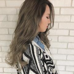 ロング アッシュ アンニュイ ウェーブ ヘアスタイルや髪型の写真・画像