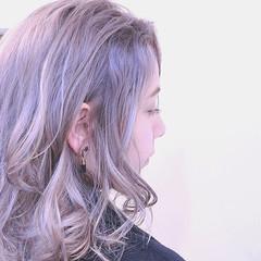 成人式 バレイヤージュ ハイライト ナチュラル ヘアスタイルや髪型の写真・画像