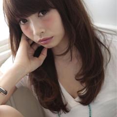 外国人風 前髪あり レイヤーカット ロング ヘアスタイルや髪型の写真・画像