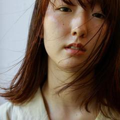 オレンジブラウン ハイライト 切りっぱなしボブ ナチュラル ヘアスタイルや髪型の写真・画像