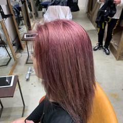 大学生 ピンクバイオレット ロング ピンク ヘアスタイルや髪型の写真・画像