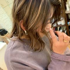 ベージュ エレガント バレイヤージュ グレージュ ヘアスタイルや髪型の写真・画像