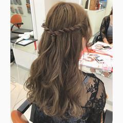 簡単ヘアアレンジ ヘアアレンジ グレージュ ベージュ ヘアスタイルや髪型の写真・画像